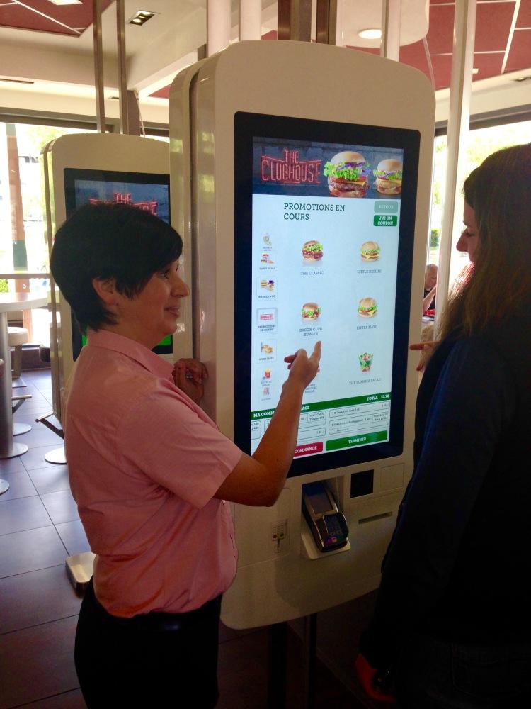 Ca se passe (aussi) comme ça chez McDonald's (3/4)
