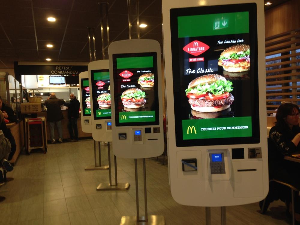 Ca se passe (aussi) comme ça chez McDonald's (1/4)