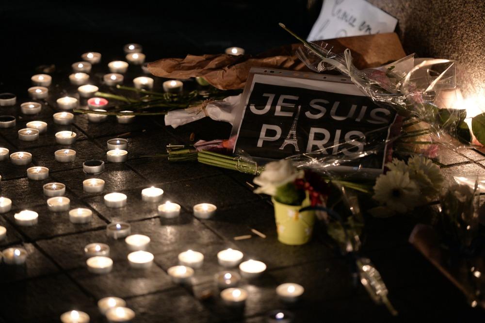 Les réseaux sociaux et l'horreur à Paris (6/6)